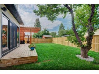 Photo 36: 6427 LAURENTIAN Way SW in Calgary: North Glenmore Park House for sale : MLS®# C4077730