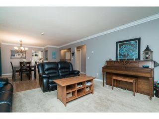 "Photo 4: 4620 209A Street in Langley: Langley City House for sale in ""Uplands"" : MLS®# R2431570"