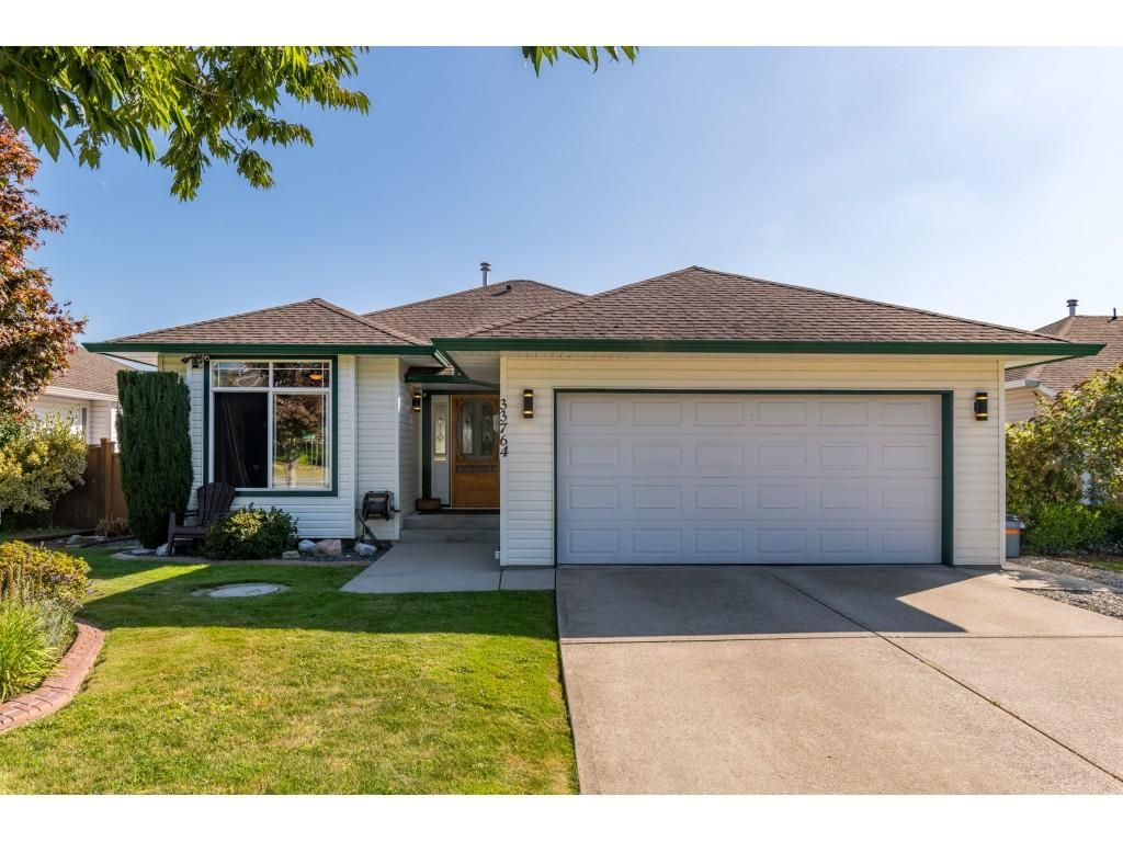Main Photo: 33764 BLUEBERRY DRIVE in Mission: Mission BC House for sale : MLS®# R2401220