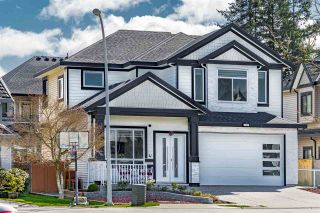 Main Photo: 16991 61B Avenue in Surrey: Cloverdale BC House for sale (Cloverdale)  : MLS®# R2560209