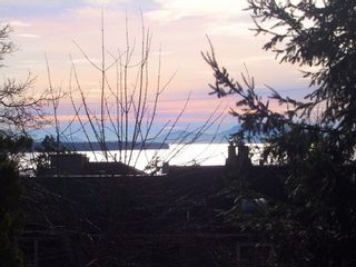 Photo 16: 1462 Cardinal Lane in White Rock: Home for sale