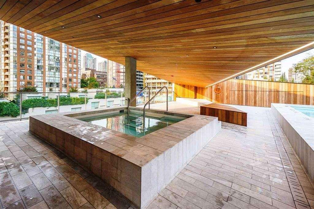 """Photo 32: Photos: 3703 1480 HOWE Street in Vancouver: Yaletown Condo for sale in """"Vancouver House"""" (Vancouver West)  : MLS®# R2527999"""