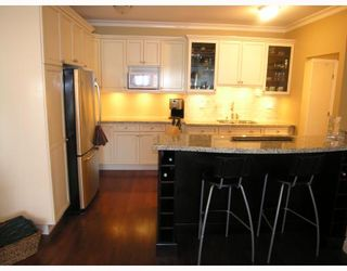 """Photo 4: 308 1655 NELSON Street in Vancouver: West End VW Condo for sale in """"HEMPSTEAD MANOR"""" (Vancouver West)  : MLS®# V669413"""