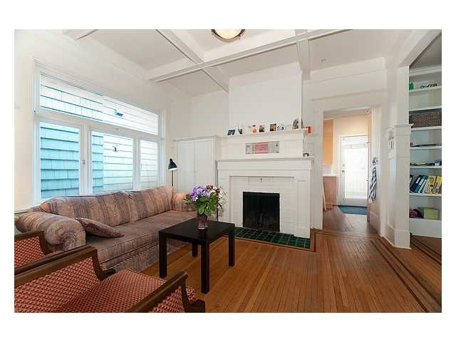 Photo 3: Photos: 3668 W 2ND Avenue in Vancouver: Kitsilano House for sale (Vancouver West)  : MLS®# V894204
