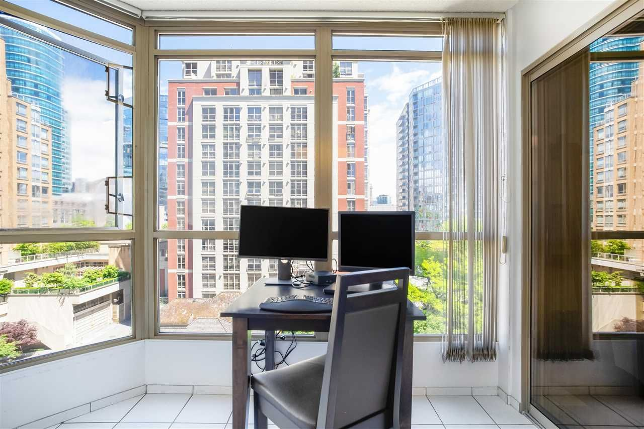 """Photo 13: Photos: 901 867 HAMILTON Street in Vancouver: Downtown VW Condo for sale in """"Jardine's Lookout"""" (Vancouver West)  : MLS®# R2588000"""