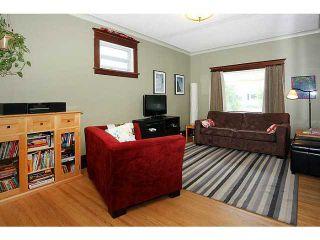 Photo 4: 132 19 Avenue NE in CALGARY: Tuxedo Residential Detached Single Family for sale (Calgary)  : MLS®# C3626887