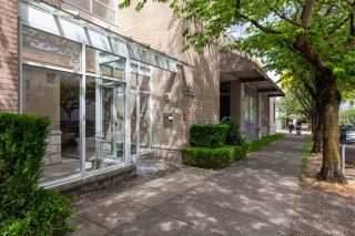 "Photo 2: 326 1979 YEW Street in Vancouver: Kitsilano Condo for sale in ""CAPERS"" (Vancouver West)  : MLS®# R2566048"