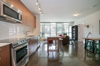 """Photo 5: 219 221 UNION Street in Vancouver: Mount Pleasant VE Condo for sale in """"V6A"""" (Vancouver East)  : MLS®# R2201874"""