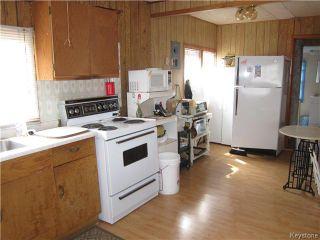 Photo 3: 422 HAZEL Avenue: Winnipeg Beach Residential for sale (R26)  : MLS®# 1710343