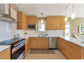 """Photo 8: 866 STEVENS Street: White Rock House for sale in """"west view"""" (South Surrey White Rock)  : MLS®# R2505074"""