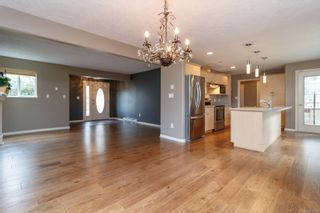 Photo 9: 13 95 Talcott Rd in : VR Hospital Row/Townhouse for sale (View Royal)  : MLS®# 872063
