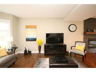 Photo 3: 156 GLENEAGLES Close: Cochrane House for sale : MLS®# C4018066