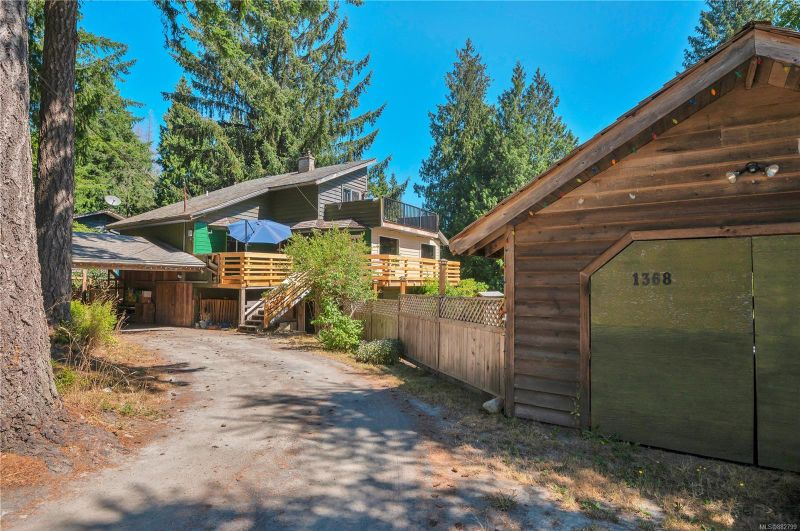 FEATURED LISTING: 1368 Hooley Rd
