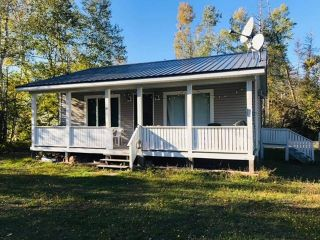 Photo 2: 42 jackson's point Road in Tidnish Bridge: 102N-North Of Hwy 104 Residential for sale (Northern Region)  : MLS®# 202105563