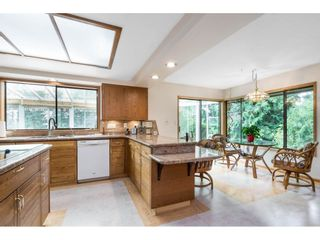 Photo 9: 5319 SOUTHRIDGE Place in Surrey: Panorama Ridge House for sale : MLS®# R2612903