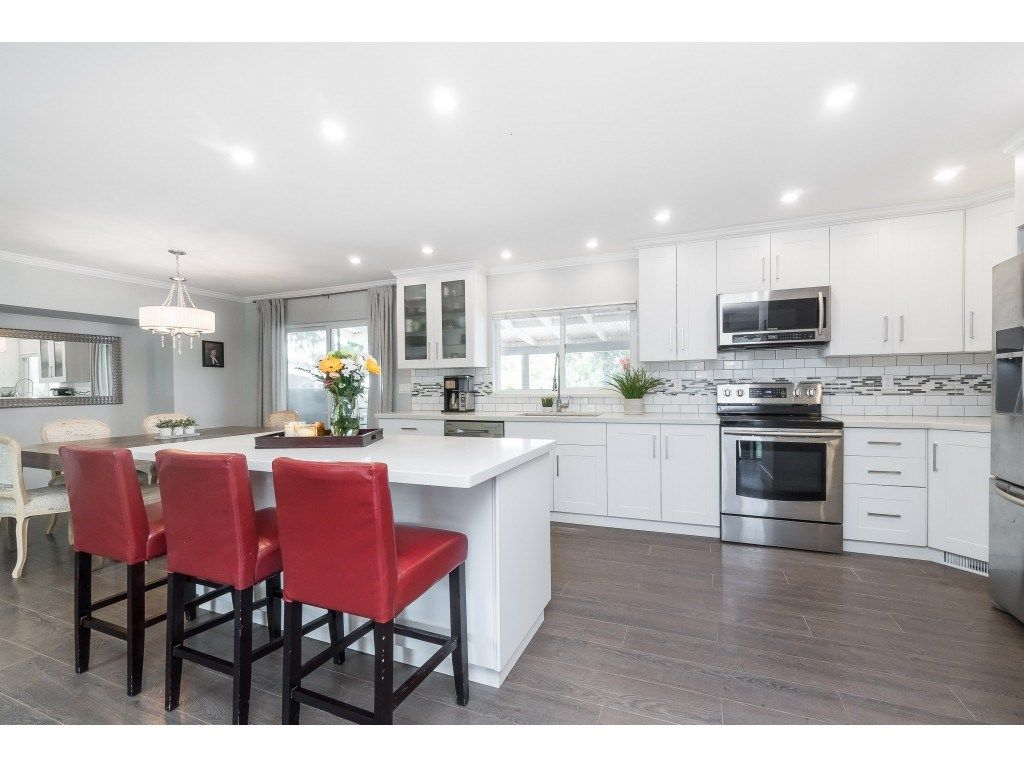 """Photo 11: Photos: 2669 VALEMONT Crescent in Abbotsford: Abbotsford West House for sale in """"West Clearbrook"""" : MLS®# R2460646"""