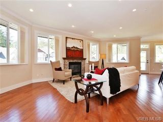 Photo 4: 2190 Stone Gate in VICTORIA: La Bear Mountain House for sale (Langford)  : MLS®# 742142
