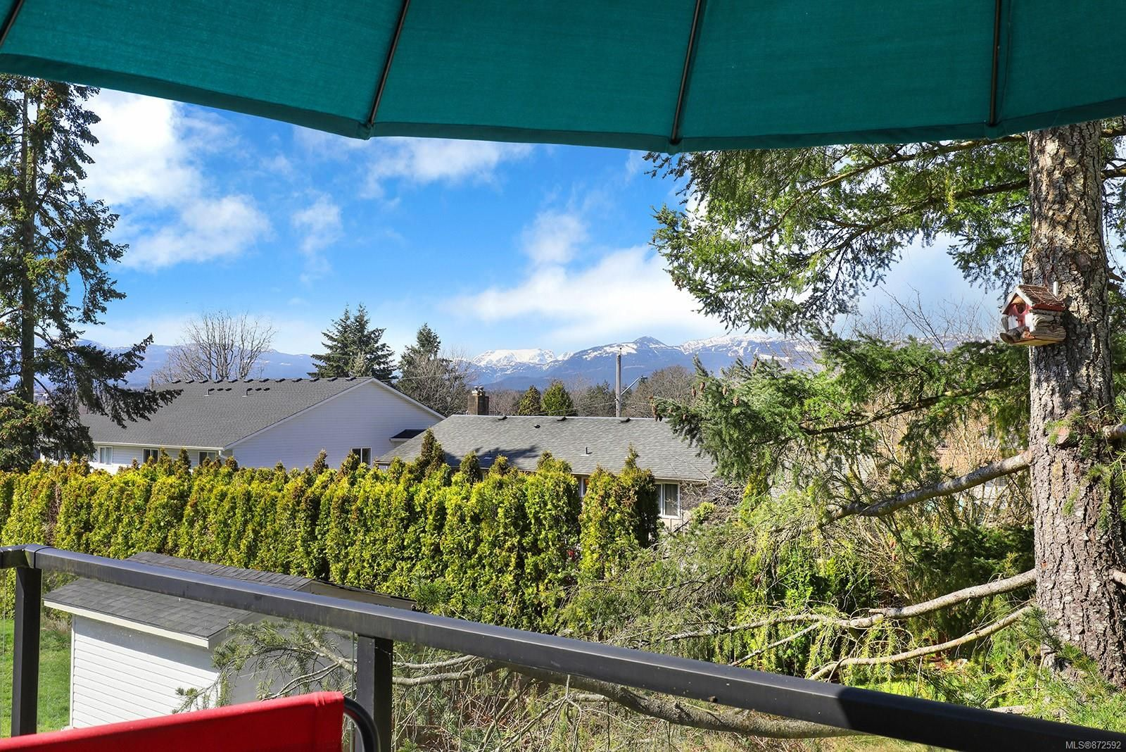 Photo 21: Photos: 1626 Valley Cres in : CV Courtenay East House for sale (Comox Valley)  : MLS®# 872592
