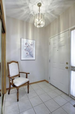Photo 3: 23 SIGNAL RIDGE Place SW in Calgary: Signal Hill Detached for sale : MLS®# A1016893
