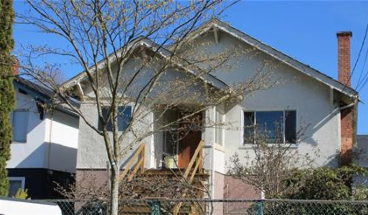 Main Photo: 4030 PRINCE ALBERT STREET in Vancouver: Fraser VE House for sale (Vancouver East)  : MLS®# R2426471