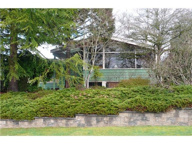 Main Photo: 956 BELGRAVE Avenue in North Vancouver: Forest Hills NV House for sale : MLS®# V1052495