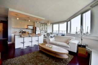 """Photo 15: 701 31 ELLIOT Street in New Westminster: Downtown NW Condo for sale in """"ROYAL ALBERT TOWER"""" : MLS®# R2065597"""