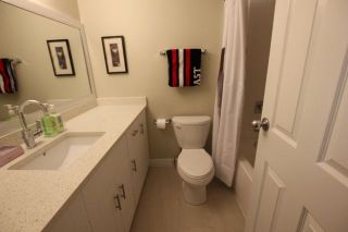 """Photo 10: 14821 HOLLY PARK Lane in Surrey: Guildford Townhouse for sale in """"HOLLY PARK LANE"""" (North Surrey)  : MLS®# R2226961"""