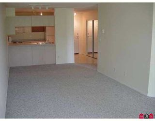 """Photo 6: 203 45504 MCINTOSH DR in Chilliwack: Chilliwack  W Young-Well Condo for sale in """"VISTA VIEW"""" : MLS®# H2601641"""