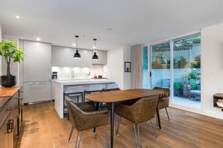 """Photo 9: 380 E 11TH Avenue in Vancouver: Mount Pleasant VE Townhouse for sale in """"UNO"""" (Vancouver East)  : MLS®# R2595479"""