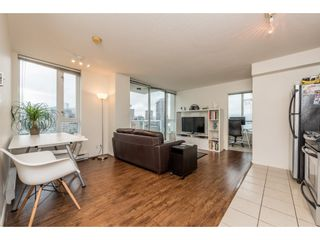 """Photo 3: 2402 550 TAYLOR Street in Vancouver: Downtown VW Condo for sale in """"THE TAYLOR"""" (Vancouver West)  : MLS®# R2142981"""