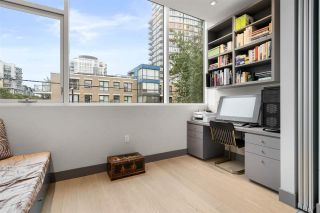 "Photo 13: 301 1510 W 6TH Avenue in Vancouver: Fairview VW Condo for sale in ""THE ZONDA"" (Vancouver West)  : MLS®# R2549473"