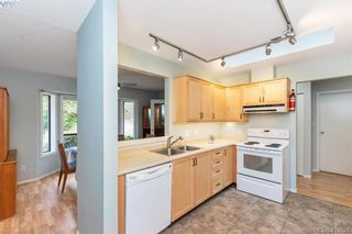 Photo 11: 13 639 Kildew Rd in VICTORIA: Co Hatley Park Row/Townhouse for sale (Colwood)  : MLS®# 825262