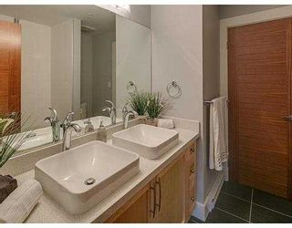 """Photo 7: 306 2138 OLD DOLLARTON Road in North Vancouver: Seymour Condo for sale in """"MAPLEWOOD NORTH"""" : MLS®# V1005795"""