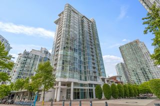 """Photo 1: 805 1077 MARINASIDE Crescent in Vancouver: Yaletown Condo for sale in """"MARINASIDE RESORT RESIDENCES"""" (Vancouver West)  : MLS®# R2582229"""