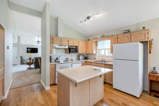 """Photo 11: 109 19649 53 Avenue in Langley: Langley City Townhouse for sale in """"Huntsfield Green"""" : MLS®# R2591188"""