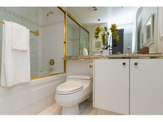 """Photo 15: T09 1501 HOWE Street in Vancouver: Yaletown Townhouse for sale in """"888 BEACH"""" (Vancouver West)  : MLS®# R2020483"""