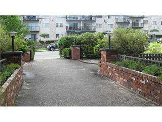 """Photo 2: 209 910 5TH Avenue in New Westminster: Uptown NW Condo for sale in """"ALDERCREST"""" : MLS®# V837816"""