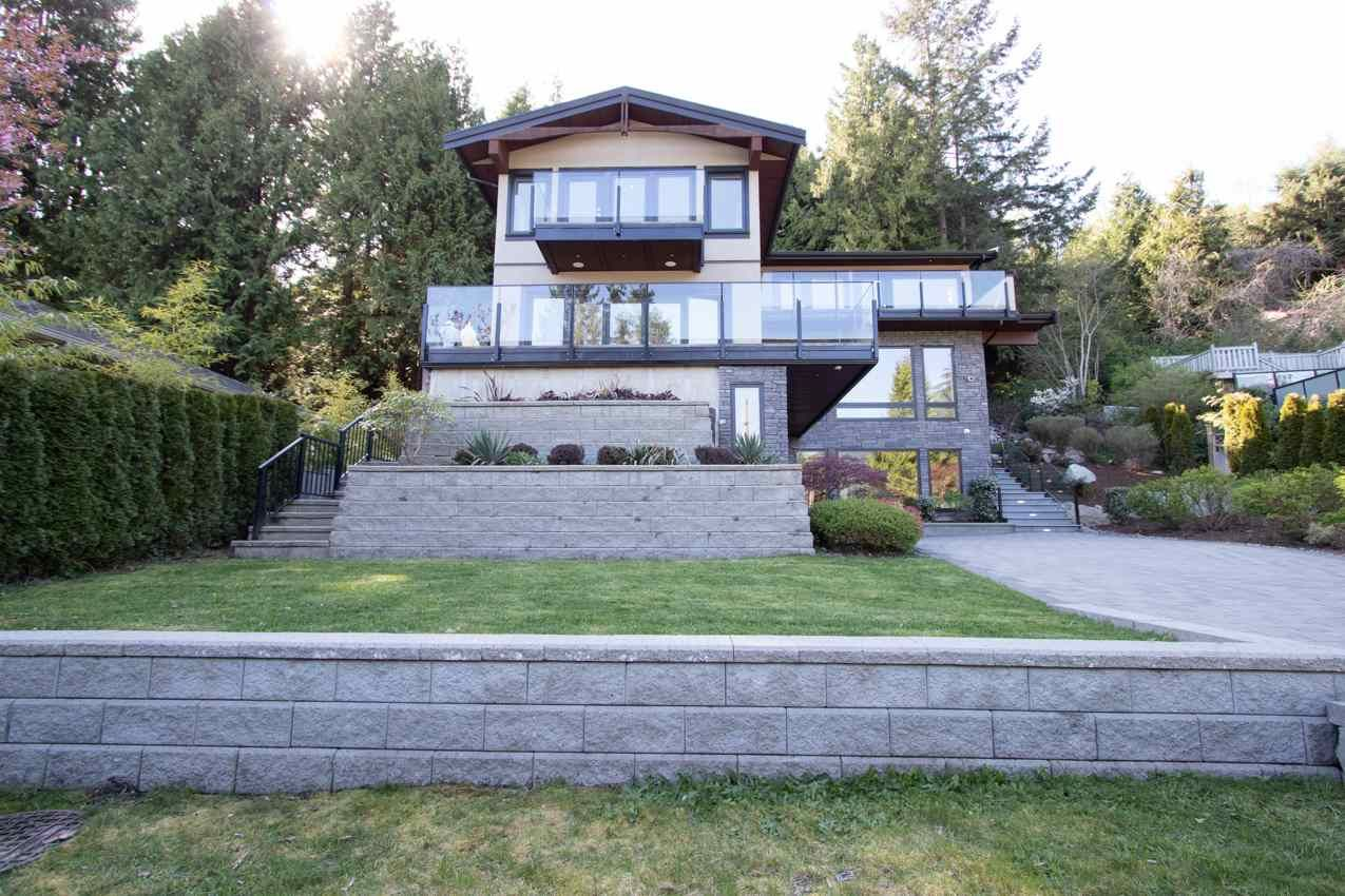 Main Photo: 579 ST. GILES Road in West Vancouver: Glenmore House for sale : MLS®# R2568791