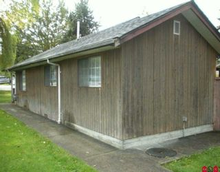 Photo 2: 13719 GROSVENOR Road in Surrey: Bolivar Heights House for sale (North Surrey)  : MLS®# F2923861
