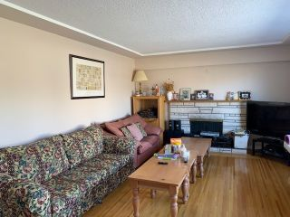 Photo 2: 798 W 60TH Avenue in Vancouver: Marpole House for sale (Vancouver West)  : MLS®# R2346513