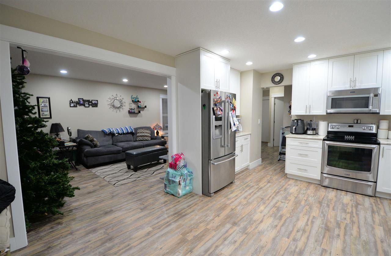 """Photo 4: Photos: 902 JOHNSON Street in Prince George: Central House for sale in """"Central"""" (PG City Central (Zone 72))  : MLS®# R2523985"""