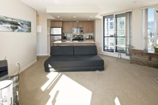 """Photo 7: 1509 1212 HOWE Street in Vancouver: Downtown VW Condo for sale in """"1212 HOWE by WALL FINANCIAL"""" (Vancouver West)  : MLS®# R2052065"""