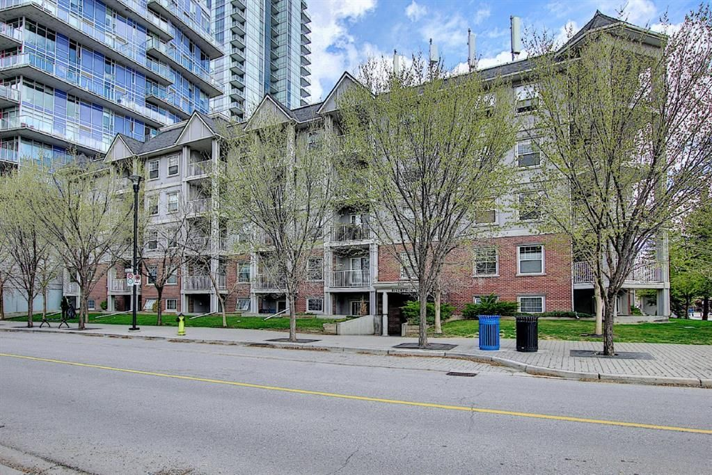 Main Photo: 112 630 8 Avenue in Calgary: Downtown East Village Apartment for sale : MLS®# A1102869