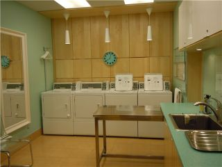 """Photo 9: 411 1975 PENDRELL Street in Vancouver: Downtown VW Condo for sale in """"PARKWOOD MANOR"""" (Vancouver West)  : MLS®# V848532"""