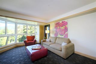 """Photo 3: 407 4557 BLACKCOMB Way in Whistler: Benchlands Condo for sale in """"LE CHAMOIS"""" : MLS®# R2193365"""
