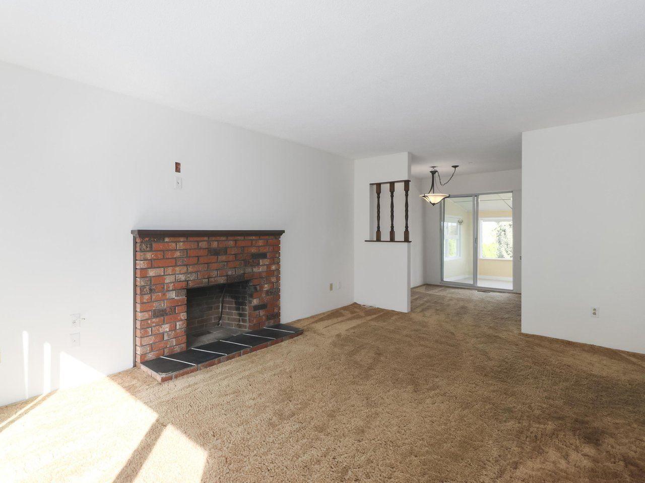Photo 5: Photos: 1426 KENT Street: White Rock House for sale (South Surrey White Rock)  : MLS®# R2406738