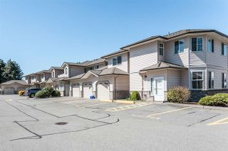 """Photo 2: 33 19060 FORD Road in Pitt Meadows: Central Meadows Townhouse for sale in """"Regency Court"""" : MLS®# R2170319"""