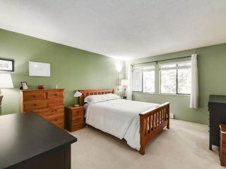 """Photo 11: 5872 MAYVIEW Circle in Burnaby: Burnaby Lake Townhouse for sale in """"ONE ARBOURLANE"""" (Burnaby South)  : MLS®# R2542010"""