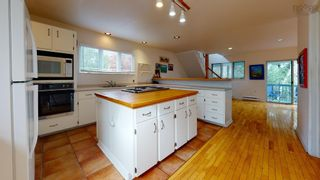 Photo 3: 79 WICKWIRE Avenue in Wolfville: 404-Kings County Residential for sale (Annapolis Valley)  : MLS®# 202124907