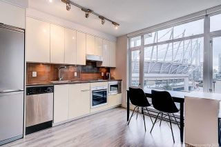 """Photo 10: 905 161 W GEORGIA Street in Vancouver: Downtown VW Condo for sale in """"COSMO"""" (Vancouver West)  : MLS®# R2573406"""